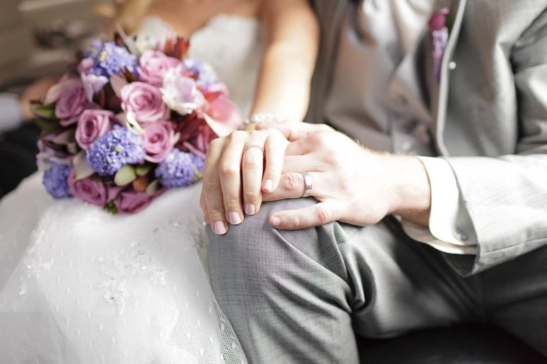 Brooklyn New York Wedding Photographer Manhattan Bridge Bride & Groom's Hands