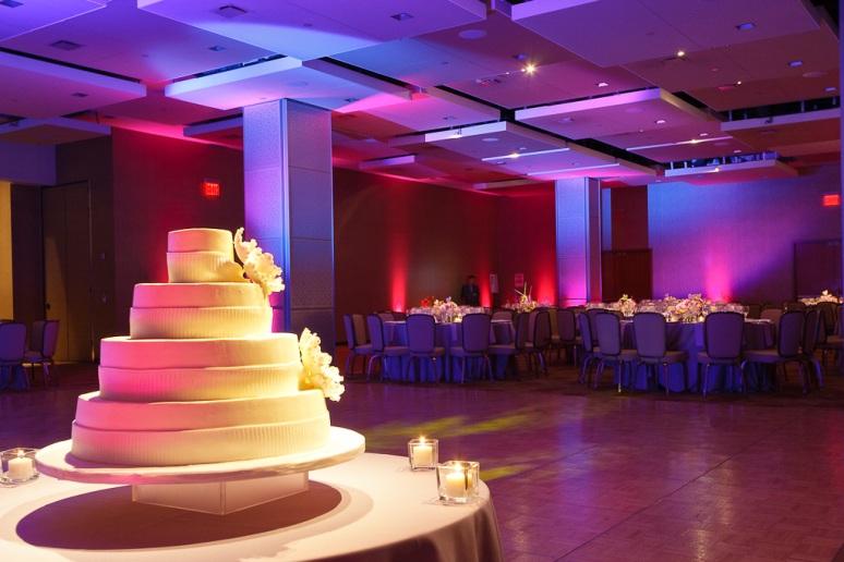 Brooklyn New York Wedding Photographer Stage 6 At Steiner Studios Wedding Cake