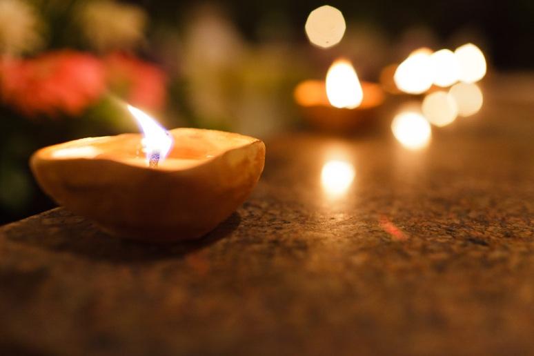 Indian Wedding Photographer New Delhi Candles