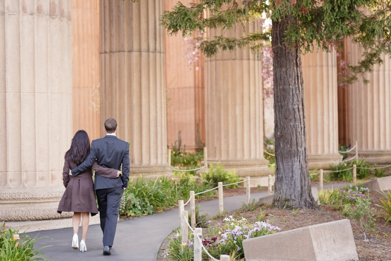 Couple walking at the Palace of Fine Arts in San Francisco