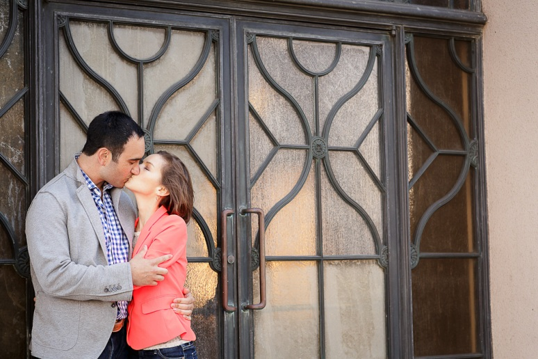 15-San-Francisco-Engagement-PhotographerTemple-Emanu-El