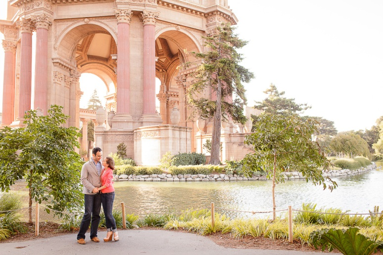 16-San-Francisco-Engagement-PhotographerPalace-of-Fine-Arts