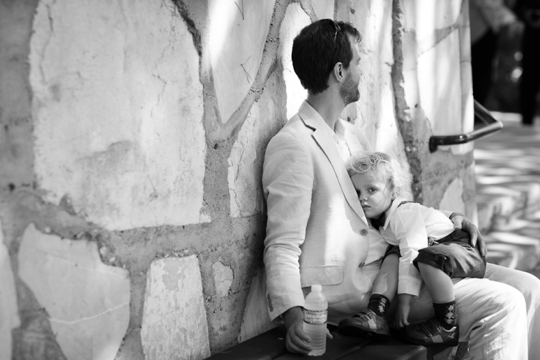 Palos Verdes Wedding Photographer Guests Outside Lloyd Wright's Wayfarer's Chapel
