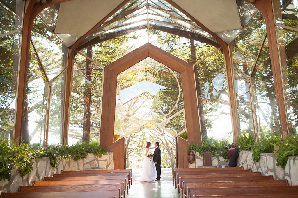 los angeles wedding photographer kelly berg andy mosess art deco wedding at lloyd wrights wayfarers chapel the cicada gracehavlak
